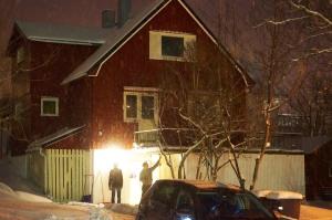 Unser Beschauliches Eigenheim - ein rotes Holzhaus wie in Jonas' Träumen :)