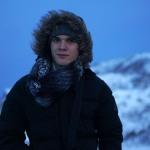 Jonas' Gesicht sagt genau eines: Kalt und wind ist doof! Mount Everest Besteigung ist GESTRICHEN!