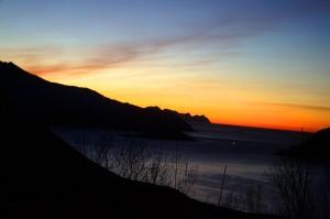Sonnenuntergangsstimmung, als es hinter dem Berg schon Nacht war
